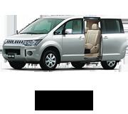 デリカD:5 ガソリン仕様 電動サイドステップ車