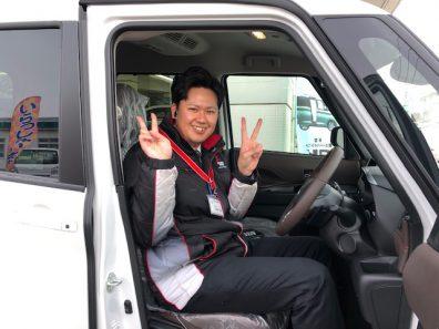 小和田スタッフ、乗り込む。
