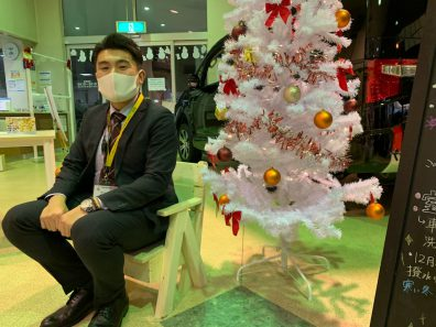 北19条店【江口スタッフにサンタさんが来ました🎅】本日はクリスマスですね!!